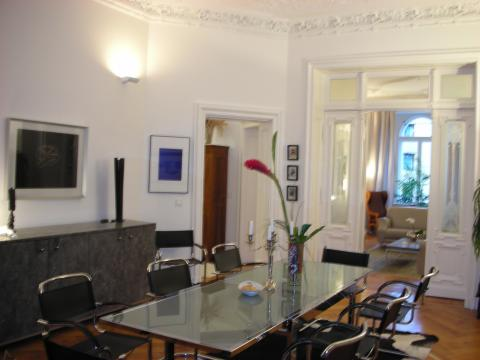 Kurfuerstendamm Apartment