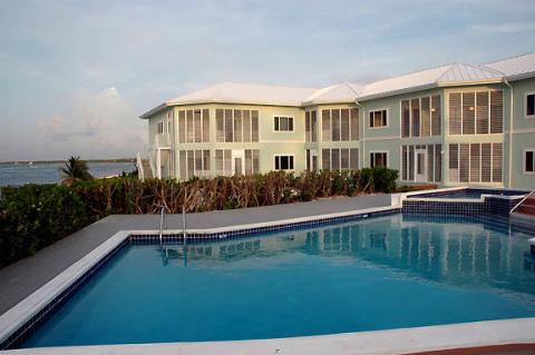 The Cayman Breeze Luxury Vacation Condo
