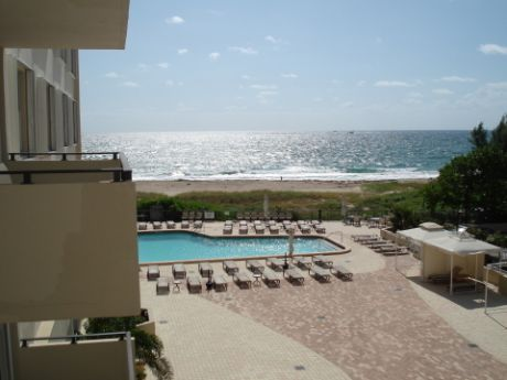 Ft Lauderdale Vacation Rental Right on Beach